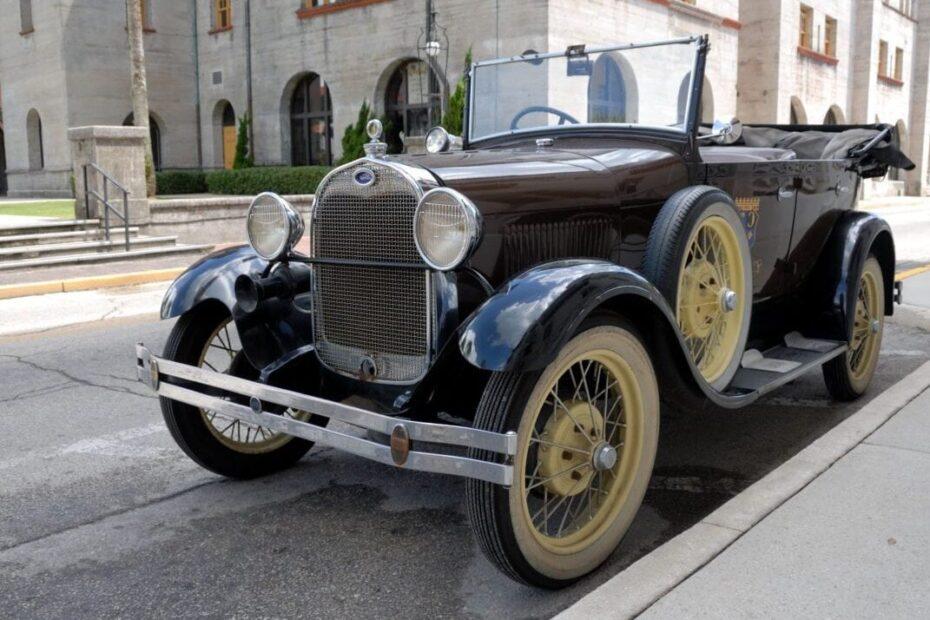 Перше авто у Львові, історія автотранспорту