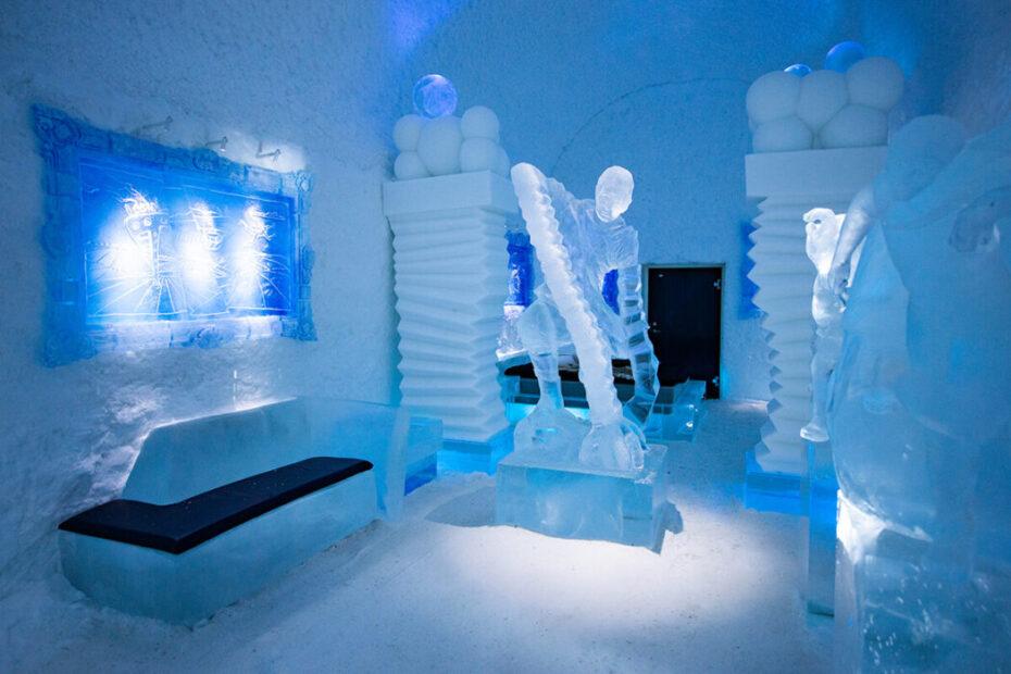 готель з льоду та снігу Icehotel